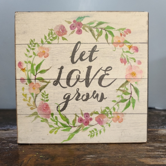 🌵Let Love Grow small wood valentines wall art